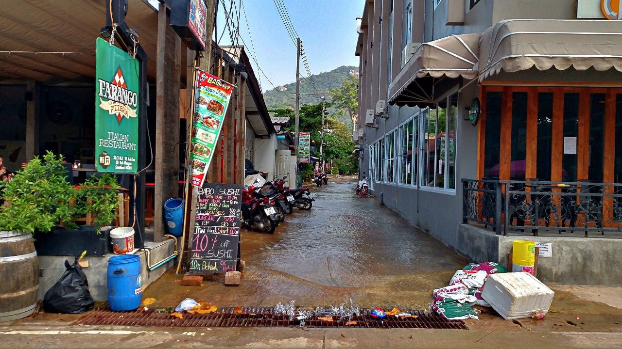 The busy (and dirty) main road in Koh Tao