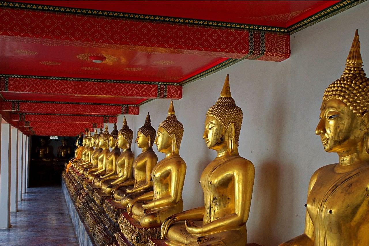 Buddha Statues at Wat-Pho