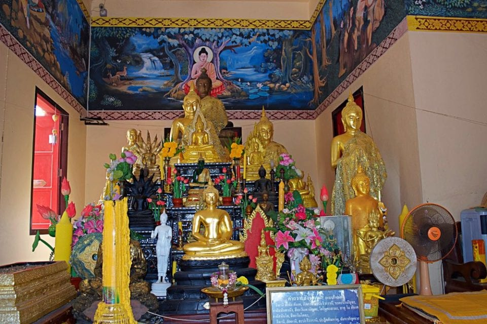 Inside Khao Tao Temple I found my first taste of Buddhism