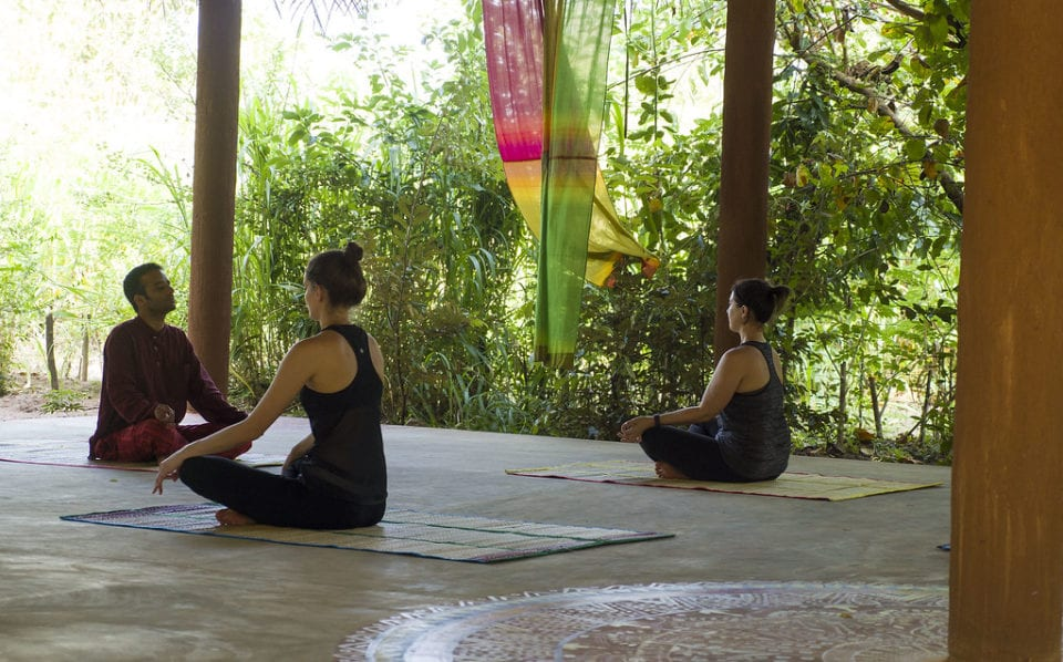 Yoga at the Mahagadera Wellness Retreat (from @justinpluslauren)