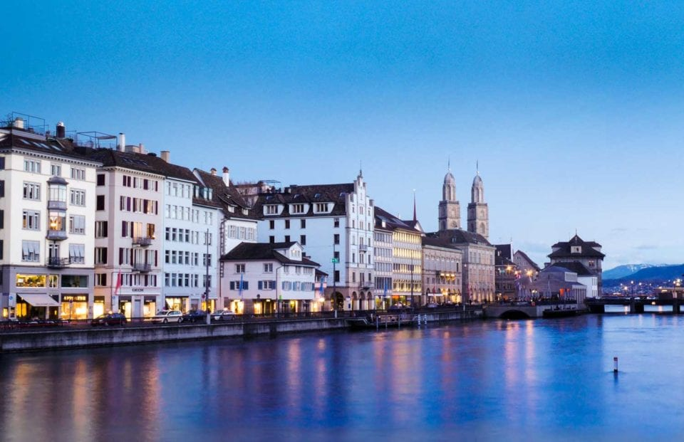 Photography lighting with the blue hour in Zurich