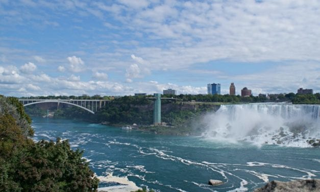 Things to Do in Niagara Falls for Couples – Highlights From the Honeymoon Capital
