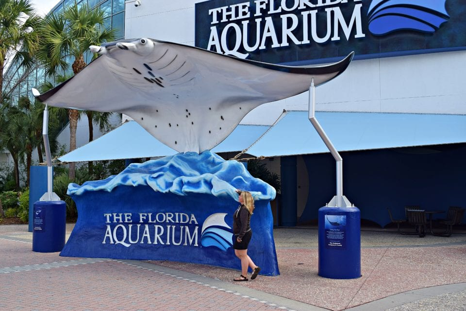 Jenn outside the Florida Aquarium