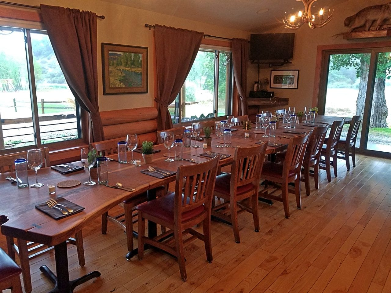 Bighorn River Lodge dining room