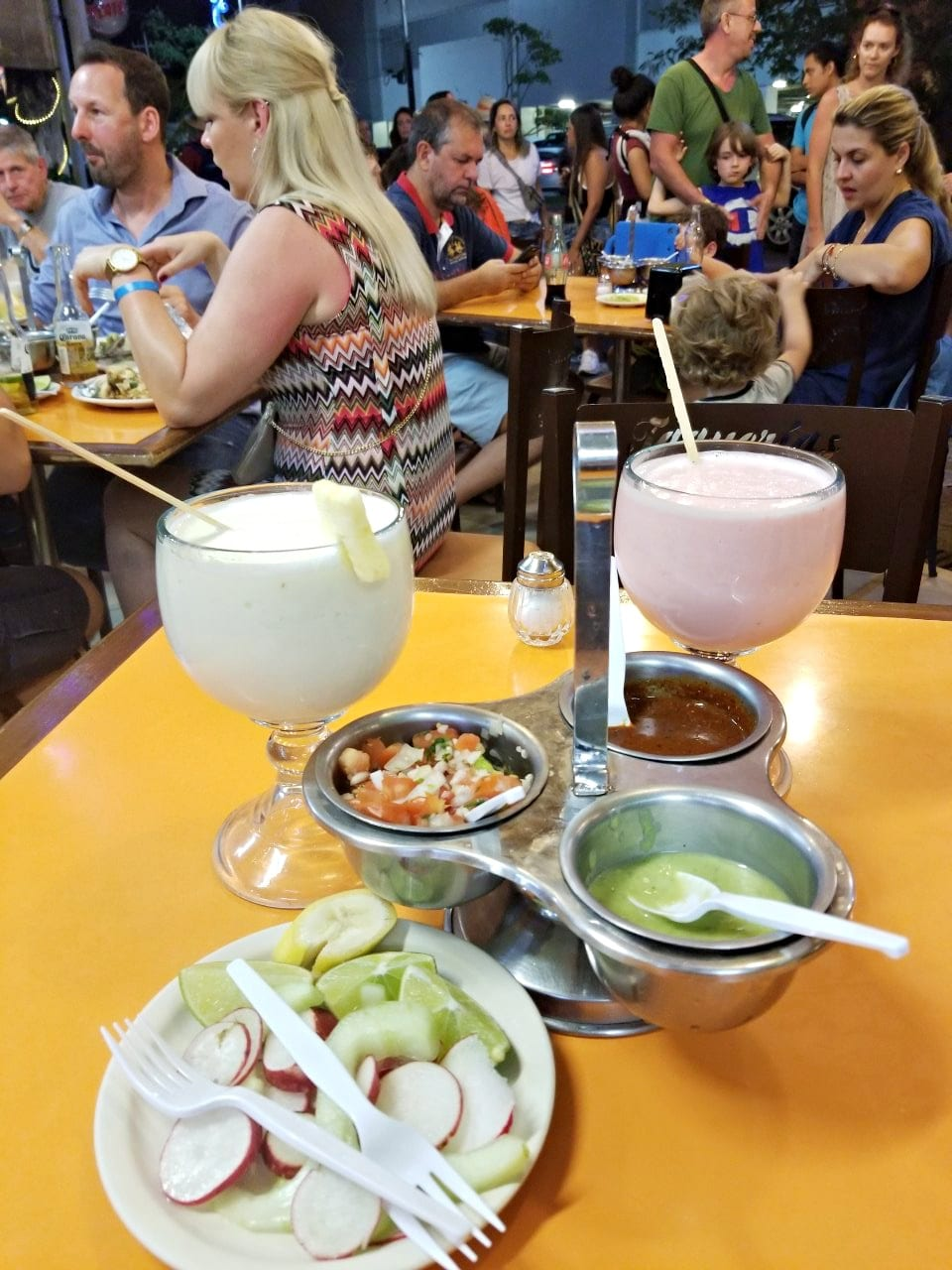 sauces and drinks at El Fogon