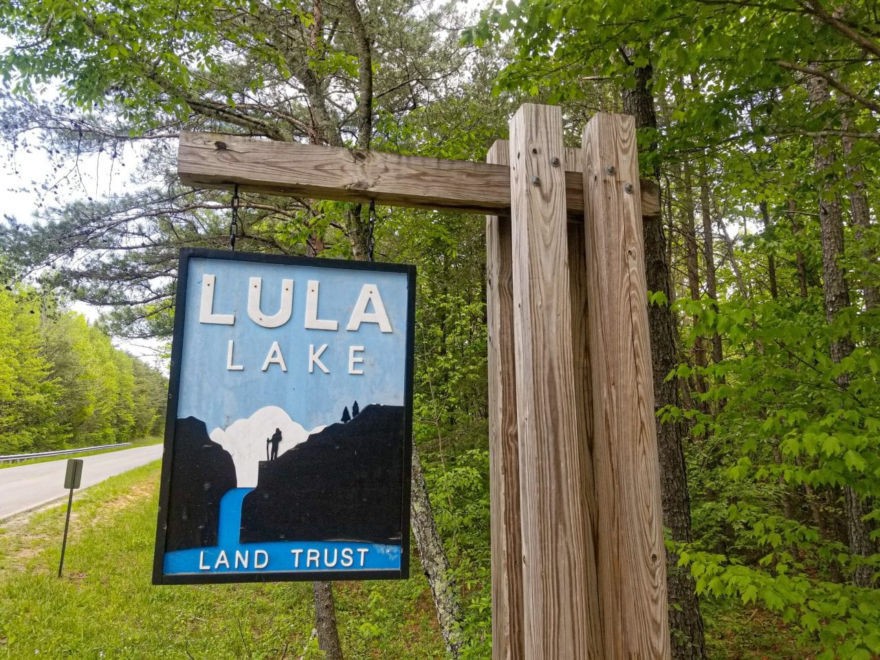 Lula Lakes sign