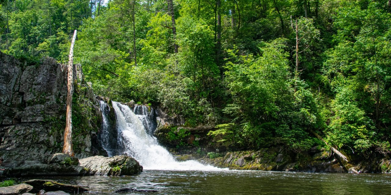 12 Stunning Waterfalls in Gatlinburg Tennessee