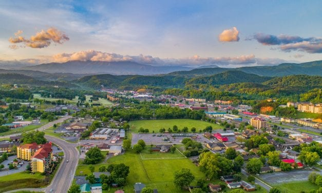 An Adventurous Romantic Getaway to Sevierville – Gateway to the Great Smoky Mountains