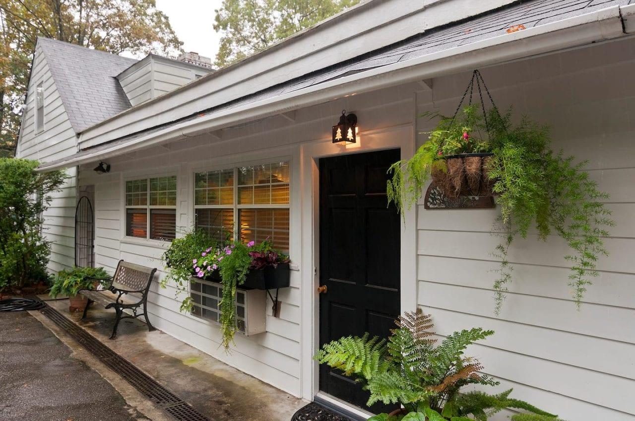The Mockingbird Cottage exterior