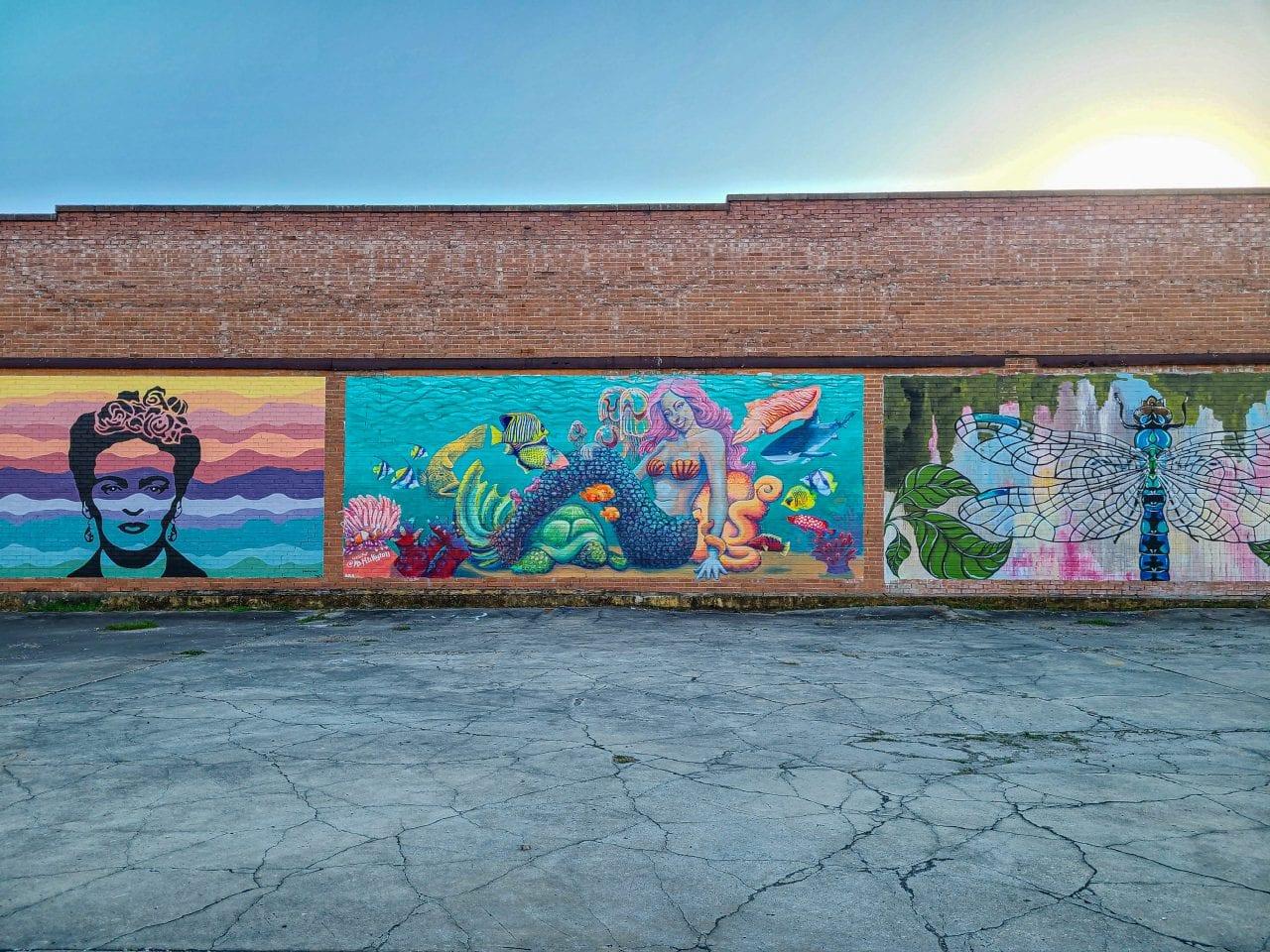 Fannin Street murals