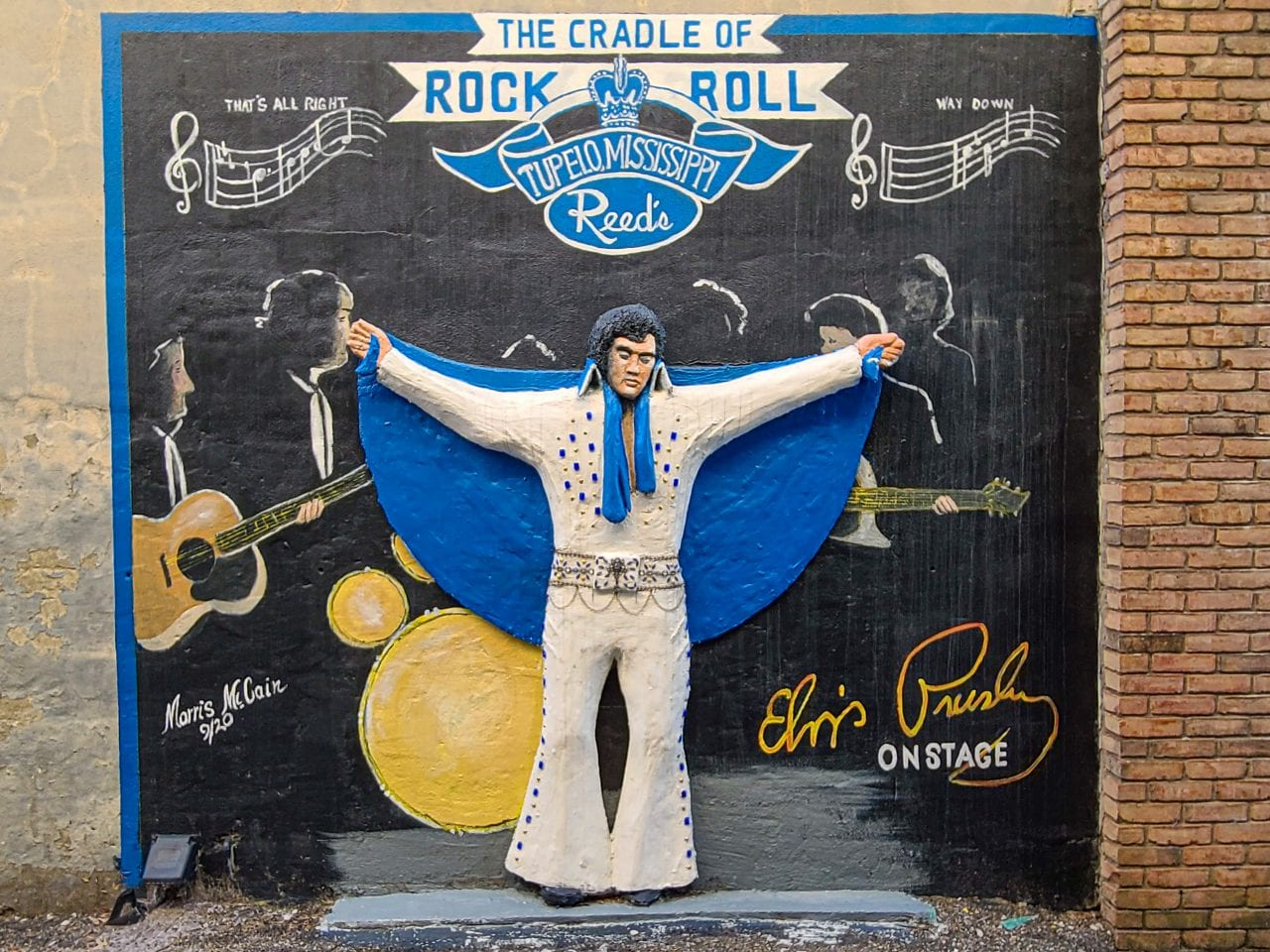 Cradle of Rock and Roll mural at Reeds
