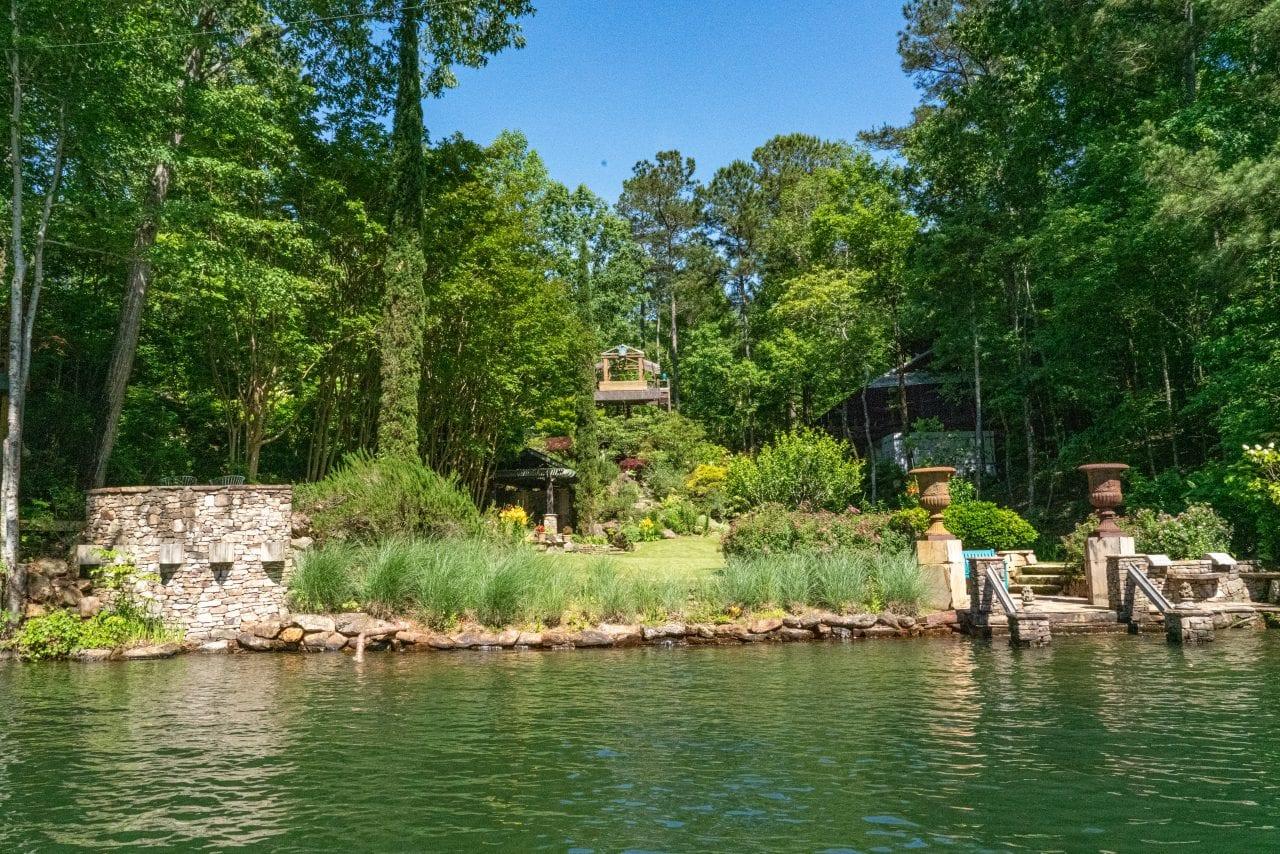 Jim Scott Gardens Lake Martin 2-2