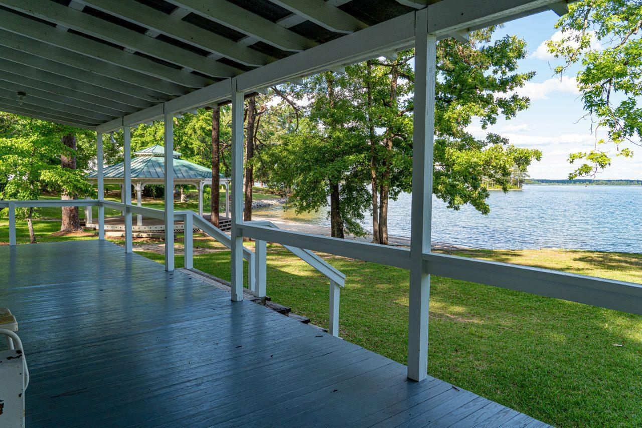 Hank Williams Cabin Children's Harbor Lake Martin Back Porch