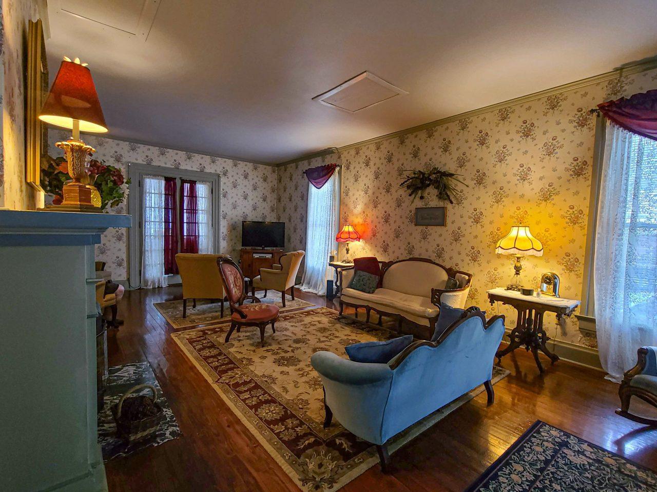 Loganberry Inn-2